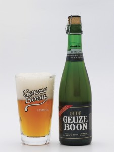http://www.guidedesbieres.com/photos/4932-oude-gueuze-boon-bouteille-et-verre.png